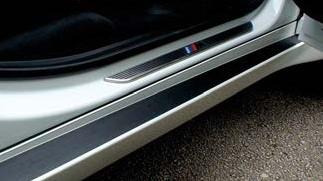 Car Door Pillar Applicatie